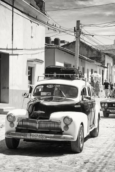 Cuba Fuerte Collection B&W - Classic Car Taxi-Philippe Hugonnard-Photographic Print