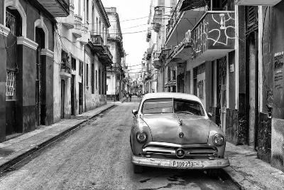 Cuba Fuerte Collection B&W - Old Ford Car in Havana-Philippe Hugonnard-Photographic Print