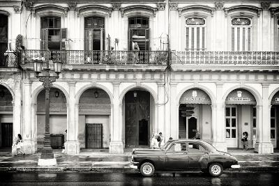 Cuba Fuerte Collection B&W - Vintage Car in Havana-Philippe Hugonnard-Photographic Print