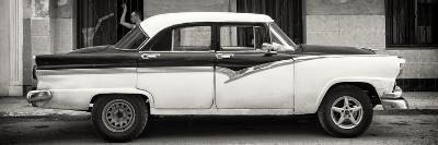 Cuba Fuerte Collection Panoramic BW - American Classic Car in Havana-Philippe Hugonnard-Photographic Print