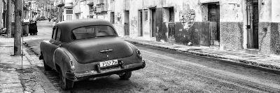 Cuba Fuerte Collection Panoramic BW - Classic Car in Havana II-Philippe Hugonnard-Photographic Print