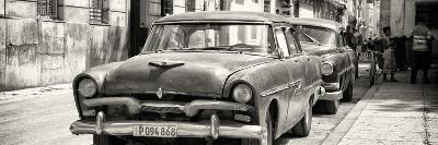 Cuba Fuerte Collection Panoramic BW - Classic Car in Havana-Philippe Hugonnard-Photographic Print