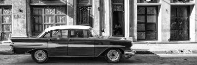 Cuba Fuerte Collection Panoramic BW - Old Car in Havana II-Philippe Hugonnard-Photographic Print