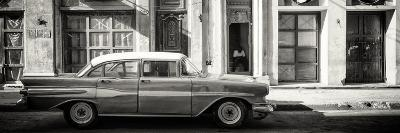 Cuba Fuerte Collection Panoramic BW - Old Car in Havana-Philippe Hugonnard-Photographic Print