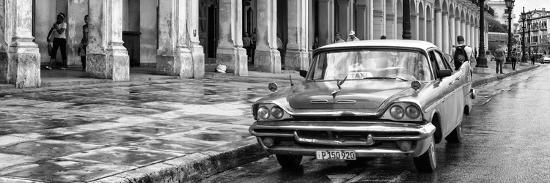 Cuba Fuerte Collection Panoramic BW - Taxi of Havana II-Philippe Hugonnard-Photographic Print