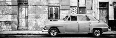 Cuba Fuerte Collection Panoramic BW - Vintage American Car in Havana-Philippe Hugonnard-Photographic Print