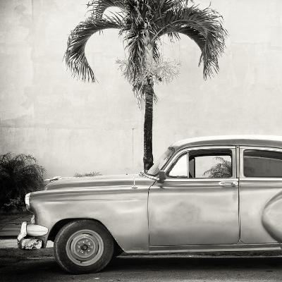 Cuba Fuerte Collection SQ BW - Beautiful Retro Car-Philippe Hugonnard-Photographic Print