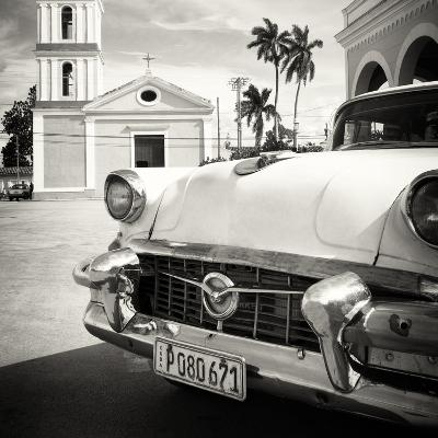 Cuba Fuerte Collection SQ BW - Classic Car in Santa Clara-Philippe Hugonnard-Photographic Print
