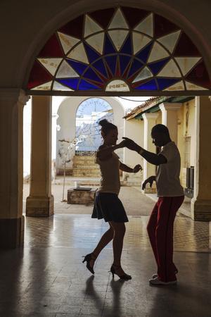 https://imgc.artprintimages.com/img/print/cuba-trinidad-casa-de-culture-couple-salsa-dancing_u-l-pxt0ys0.jpg?p=0