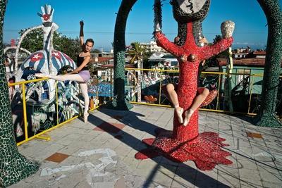 https://imgc.artprintimages.com/img/print/cuban-national-ballet-dancers-dancing-at-the-studio-of-cuban-artist-jose-fuster_u-l-q19nml90.jpg?p=0
