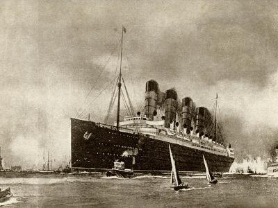 Cunard Liner Lusitania 1915--Photographic Print
