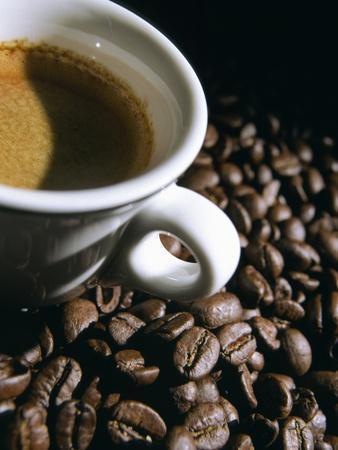 https://imgc.artprintimages.com/img/print/cup-of-coffee_u-l-pzghaj0.jpg?p=0