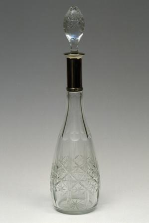 https://imgc.artprintimages.com/img/print/cut-crystal-bottle-with-drop-shaped-top-ca-1915-italy_u-l-pp3ave0.jpg?p=0