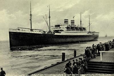 Cuxhaven, Schnelldampfer Albert Ballin, Hapag--Giclee Print