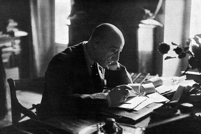 D'Annunzio in His Study-Ferrario di Gardone Riviera-Photographic Print
