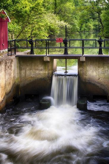 D & R Canal Lock, New Jersey-George Oze-Photographic Print