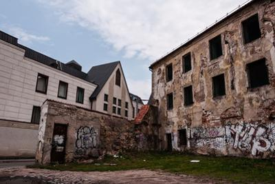Abandoned and Ruined Buildings by dabldy