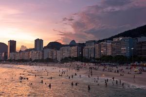 Sunset in Copacabana Beach by dabldy