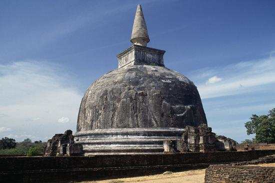 Dagoba Kiri Vihara, Polonnaruwa (Unesco World Heritage List, 1982), Sri Lanka--Giclee Print