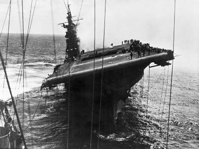 Damaged U.S. Aircraft Carrier Franklin--Photographic Print