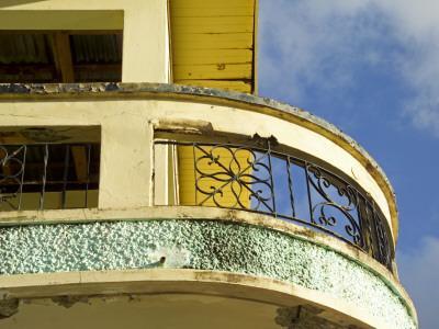 Crumbling Art-Deco Balcony