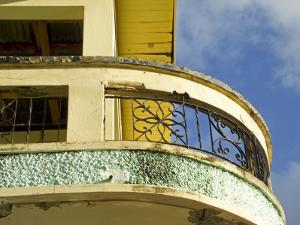 Crumbling Art-Deco Balcony by Dan Gair