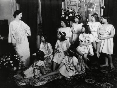 Dancer Isadora Duncan--Giclee Print