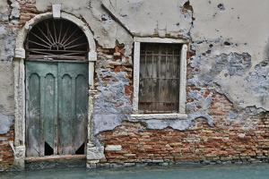 Green Doorway, Venice, Italy by Darrell Gulin