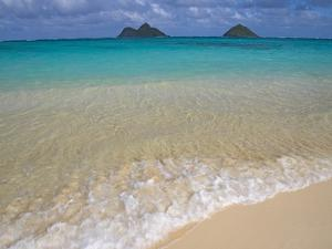 Mokulua Islands from Lanikai Beach by Darrell Gulin