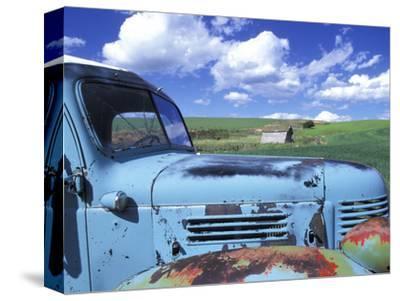 Old Truck, Palouse Region, near Pullman, Washington, USA