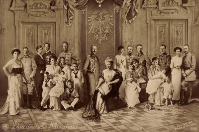 Das Deutsche Kaiserhaus, Gruppenfoto, Hohenzollern--Giclee Print