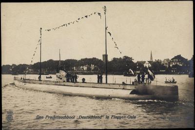 Das Frachttauchboot Deutschland in Flaggen Gala--Giclee Print