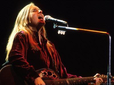 Singer Melissa Etheridge Performing