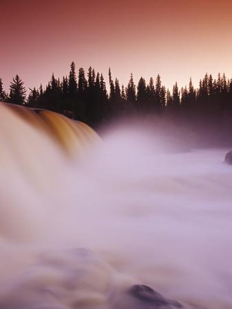 Pisew Falls, Pisew Falls Provincial Park, Manitoba, Canada.