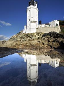 St. Antonys Head Lighthouse, Cornwall, UK by David Clapp