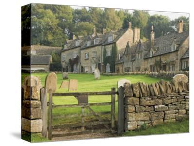 Dry Stone Wall, Gate and Stone Cottages, Snowshill Village, the Cotswolds, Gloucestershire, England