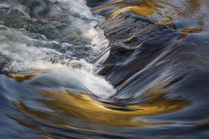 Deschutes Rapids in Bend by David Lorenz Winston