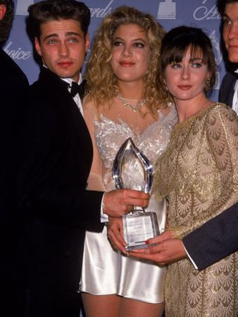 Actors Jason Priestley, Tori Spelling and Shannen Doherty at the People's Choice Awards