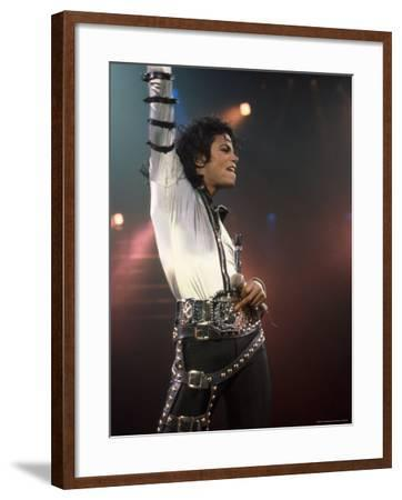 Singer Michael Jackson Performing