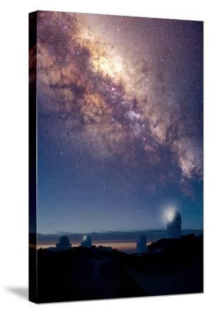 Kitt Peak Observatory And Milky Way