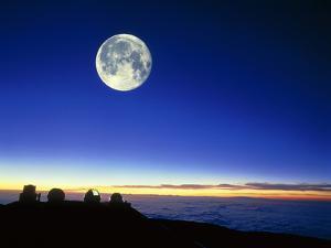 Observatories At Mauna Kea, Hawaii, with Full Moon by David Nunuk