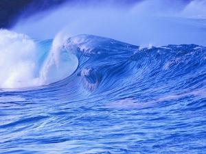Breaking Wave by David Pu'u