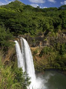 Wailua Falls, Kauai, Hawaii, USA by David R^ Frazier