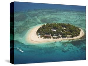 Beachcomber Island Resort, Mamanuca Islands, Fiji by David Wall