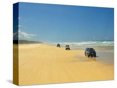 Four Wheel Drives, Seventy Five Mile Beach, Fraser Island, Queensland, Australia