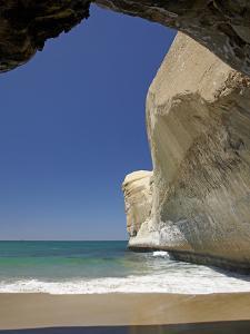 Sea Cave, Beach and Cliffs, Tunnel Beach, Dunedin, South Island, New Zealand by David Wall