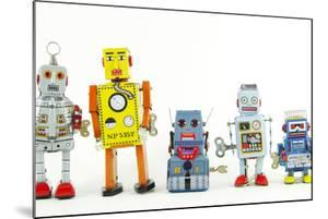 A Team of Robot Toys by davinci