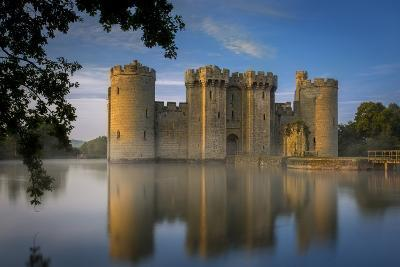 Dawn at Bodiam Castle, Bodiam, Robertsbridge, East Sussex, England-Brian Jannsen-Photographic Print