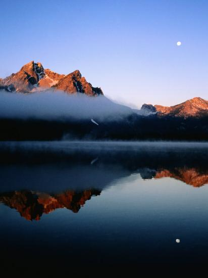 Dawn at Stanley Lake, Sawtooth Mountains, Near Stanley, Stanley, Idaho-Holger Leue-Photographic Print