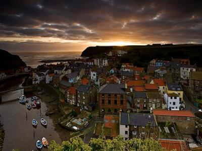 Dawn over Staithes-Doug Chinnery-Photographic Print
